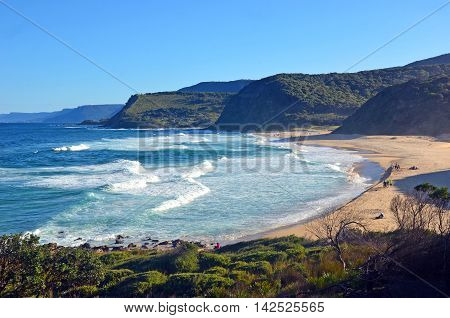 Cliffs and vegetation surrounding Garie beach on the New South Wales coast, Royal National Park, Australia