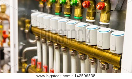 Heating floor system collector