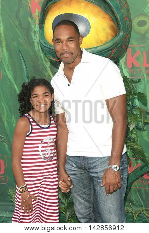 LOS ANGELES - AUG 14: Jason George, daughter at the premiere of Focus Features' 'Kubo and the Two Strings' at AMC Universal City Walk on August 14, 2016 in Los Angeles, California