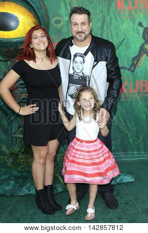LOS ANGELES - AUG 14: Kelly Baldwin, Joey Fatone, Kloey Fatone at the premiere of Focus Features' 'Kubo and the Two Strings' at AMC Universal City Walk on August 14, 2016 in Los Angeles, California