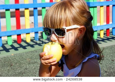 The girl and an apple