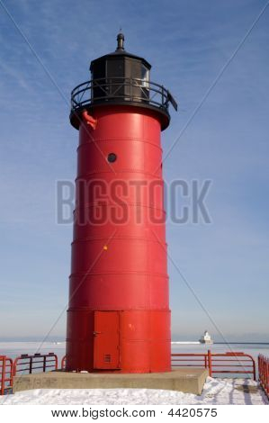 Milwuakee Pierhead Lighthouse
