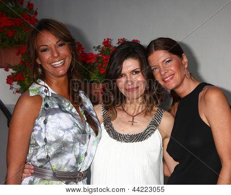LOS ANGELES - APR 4:  Eva La Rue, Finola Hughes, Michelle Stafford attends the gala fundraiser for the romantic comedy,