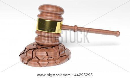 Martillo roto del juez sobre fondo blanco