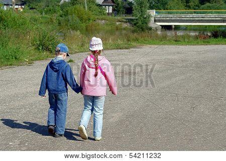 Children go on road