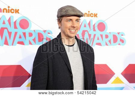 LOS ANGELES - NOV 17: Dax Shepard at the 5th Annual TeenNick HALO Awards at the Hollywood Palladium on November 17, 2013 in Los Angeles, California