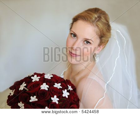 Portrait of a bride with bouquet