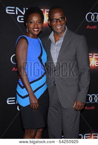LOS ANGELES - OCT 28:  Viola Davis & Julius Tennon arrives to