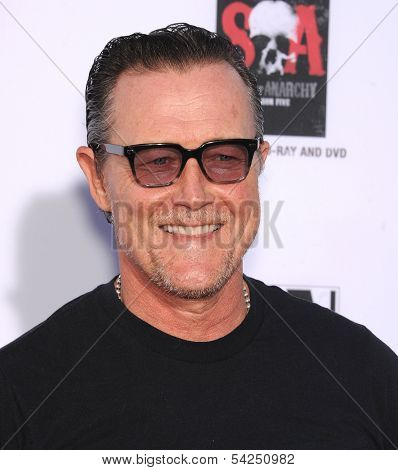 "LOS ANGELES - SEP 07:  Robert Patrick arrives to ""Sons of Anarchy"" Season 6 Premiere  on September 07, 2013 in Hollywood, CA"