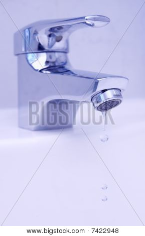 drops from faucet
