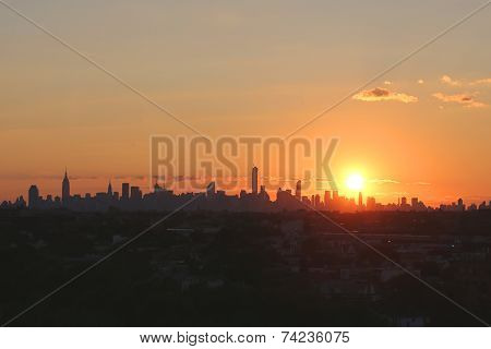 Midtown Manhattan skyline panorama at sunset