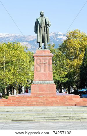 Lenin Statue On Square In Yalta City