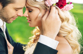 picture of married  - Young newly married couple posing  - JPG