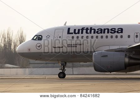 Lufthansa Airbus A319-100 aircraft running on the runway