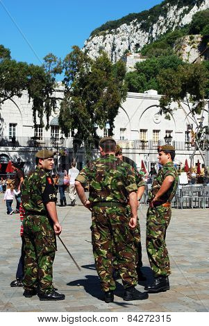 Soldiers in Grand Casemates Square.