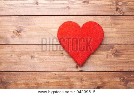 One red heart composition