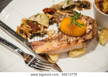Griled Barbecue Pork With Fried Vegetables