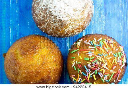 Three Muffin