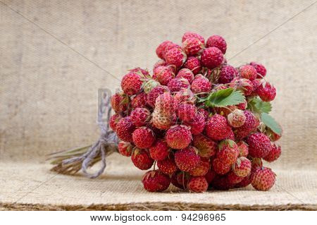 Bouquet of strawberry and tea with cinnamon