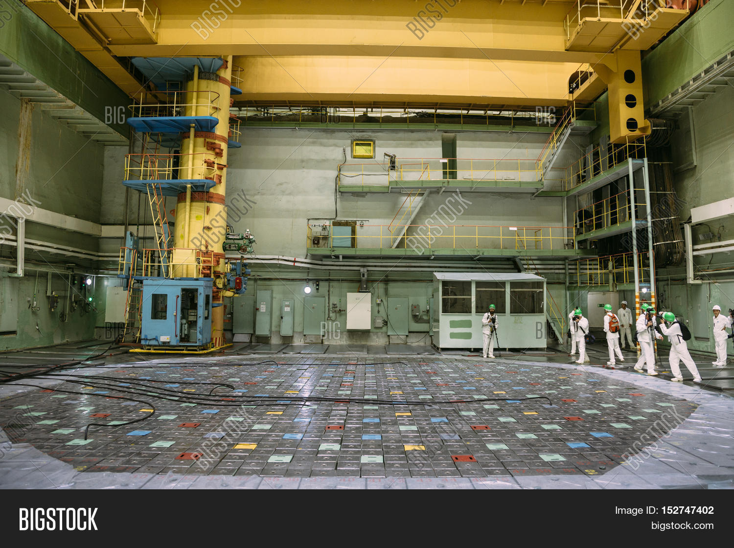 Inside the reactor of nuclear power plant, Press tour to ...