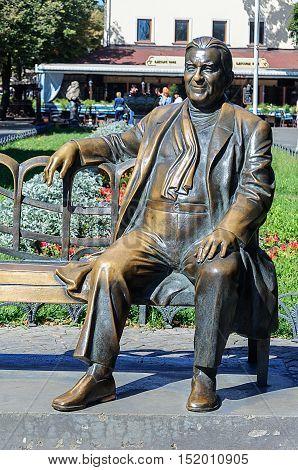 Odessa, Ukraine - September 02, 2016: Monument to soviet singer Leonid Utesov on Deribasovskaya street