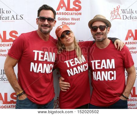 LOS ANGELES - OCT 16:  Lawrence Zarian, Renee Zellweger, Gregory Zarian at the Los Angeles Walk To Defeat ALS at the Exposition Park on October 16, 2016 in Los Angeles, CA