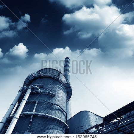 Power plant cooling towers and large chimney
