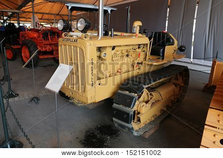 Caterpillar D2 Agricultural Tractor With Rubber Tracks