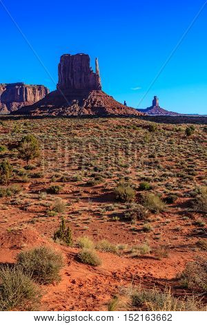 Amazing Daytime Landscape Image of Monument Valley