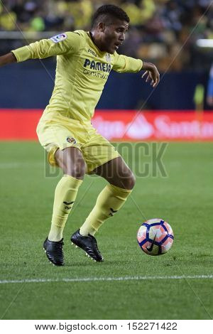 VILLARREAL, SPAIN - OCTOBER 16th: Dos Santos during La Liga soccer match between Villarreal CF and R.C. Celta de Vigo at El Madrigal Stadium on October 16, 2016 in Villarreal, Spain
