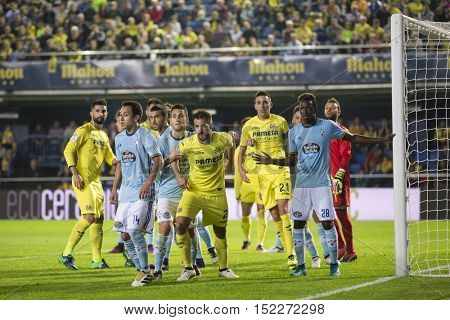 VILLARREAL, SPAIN - OCTOBER 16th: Various players during La Liga soccer match between Villarreal CF and R.C. Celta de Vigo at El Madrigal Stadium on October 16, 2016 in Villarreal, Spain