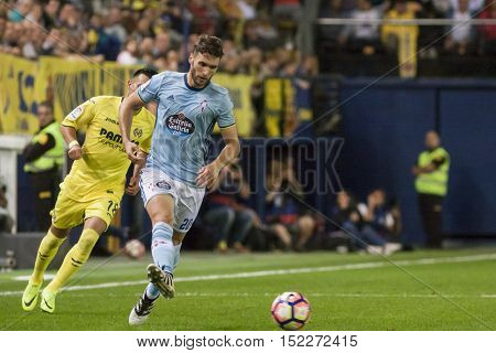 VILLARREAL, SPAIN - OCTOBER 16th: Sergi Gomez during La Liga soccer match between Villarreal CF and R.C. Celta de Vigo at El Madrigal Stadium on October 16, 2016 in Villarreal, Spain