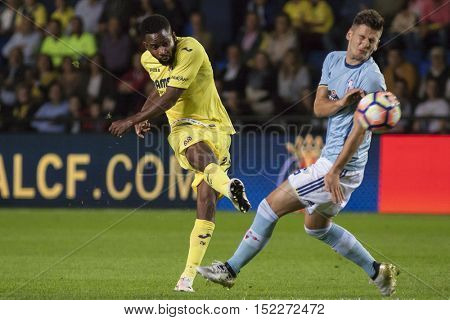 VILLARREAL, SPAIN - OCTOBER 16th: Bakambu with ball during La Liga soccer match between Villarreal CF and R.C. Celta de Vigo at El Madrigal Stadium on October 16, 2016 in Villarreal, Spain