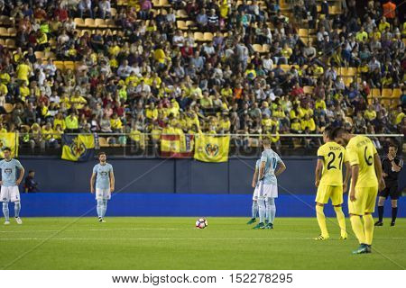 VILLARREAL, SPAIN - OCTOBER 16th: Players during La Liga soccer match between Villarreal CF and R.C. Celta de Vigo at El Madrigal Stadium on October 16, 2016 in Villarreal, Spain