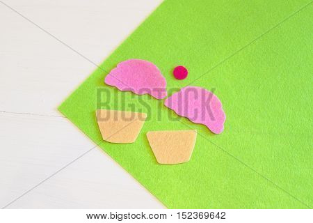 Sewing set for felt cupcake - how to make a cupcake toy