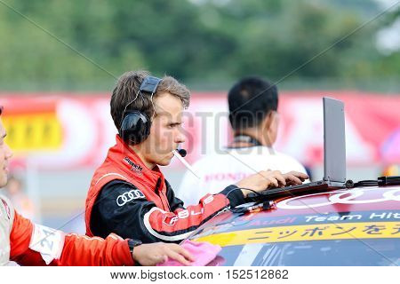 BURIRAM THAILAND - October 9: Service team technician Super GT Series 2016 round 7 in Thailand at Chang International Circuit in Buriram United on October 7-9 2016 at the Buriram Thailand