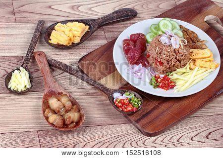 Fried jasmine rice with shrimp paste,