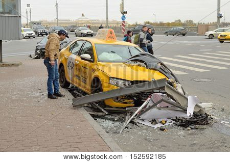 16.10.2016.Russia.Saint-Petersburg.The taxi driver did not cope with driving and crashed into a pedestrian sign.
