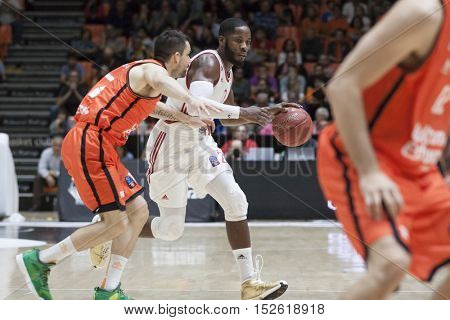VALENCIA, SPAIN - OCTOBER 19th: Dyson with ball during Eurocup match between Valencia Basket and Hapoel Bank Yahav Jerusalem at Fonteta Stadium on October 19, 2016 in Valencia, Spain