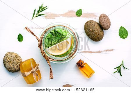 Aromatic Sea Salt With Aromatic Herbs . Fresh Peppermint ,lemon,soap  And Rosemary. Nature Spa Ingre