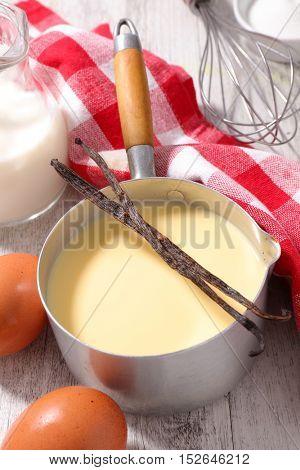 custard creme