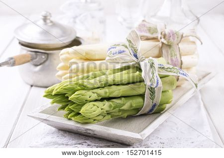 Green and White Asparagus