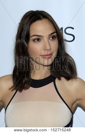 LOS ANGELES - OCT 20:  Gal Gadot at the The Moms Present a Screening of 'Keeping Up With the Joneses' at London Hotel on October 20, 2016 in West Hollywood, CA