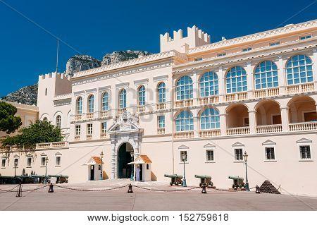 Royal palace, residence of Prince of Monaco.