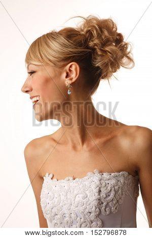 Close up portrait of a gourgeus brides profile