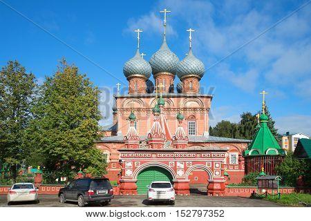 KOSTROMA, RUSSIA - SEPTEMBER 16, 2016: Church of the Resurrection in Debrya, sunny september day. Religious landmark  of the city Kostroma