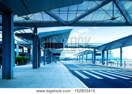 Carriage ways of large International Airport