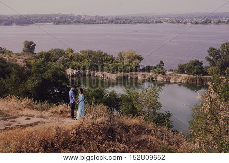 Great Panorama View Of Canyon And Wedding Couple