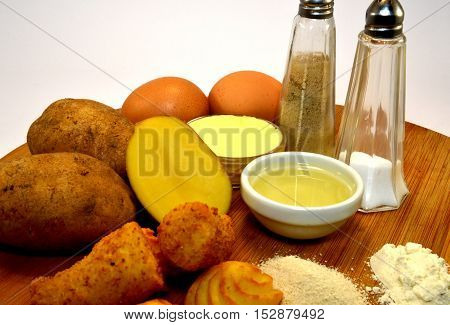 Ingredients for the preparation of croquettes of potato.