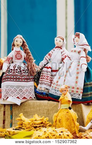 Souvenir dolls from Belarus. Folk art of cloth and dress in national Belarus